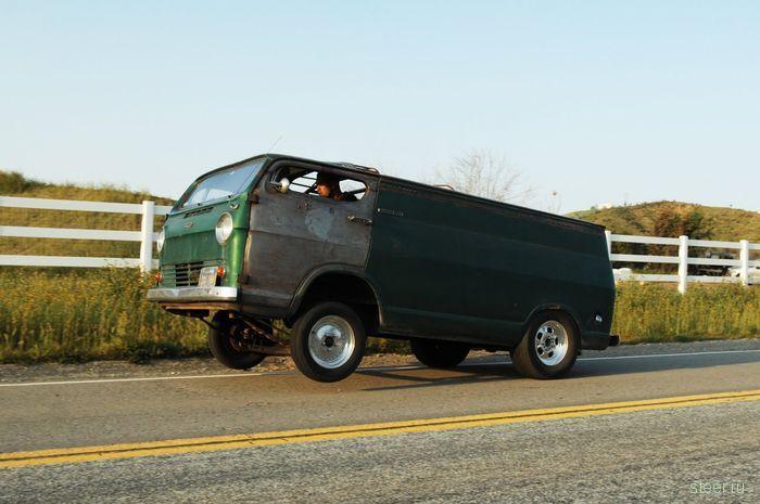Бодрый микроавтобус от Slims Fabrication (фото и видео)