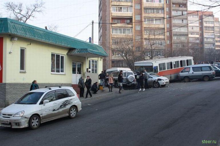 Крупное ДТП во Владивостоке (фото)