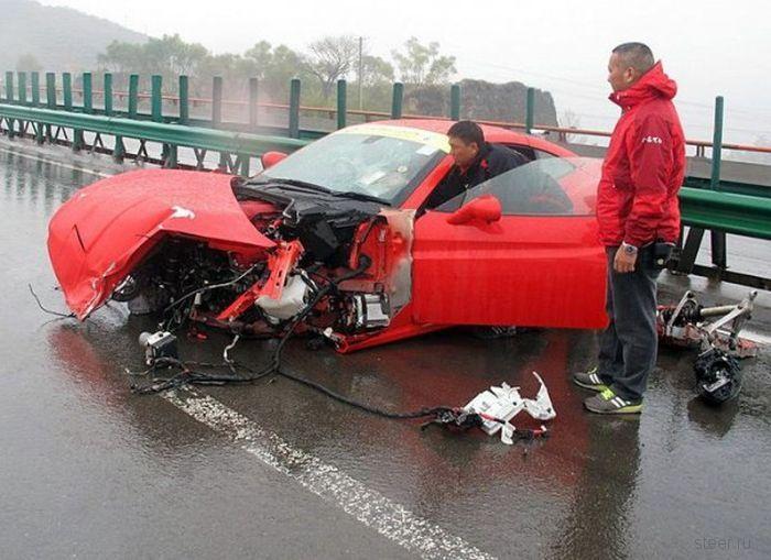 Две Ferrari столкнулись на трассе в Китае