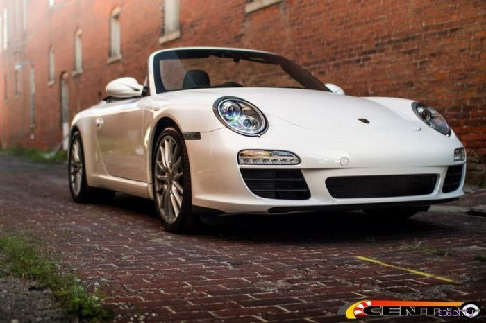 Porsche 911 Cabrio с сиденьем посредине