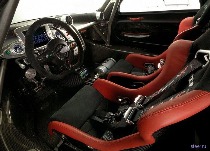 Компания Pagani собрала 800-сильную Zonda R Evolution