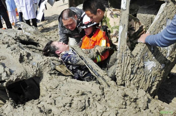 Женщина врезалась в грузовик, перевозивший 10 тонн бетона