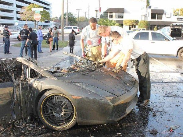 Lamborghini Gallardo сгорел дотла из-за проблем в моторном отсеке