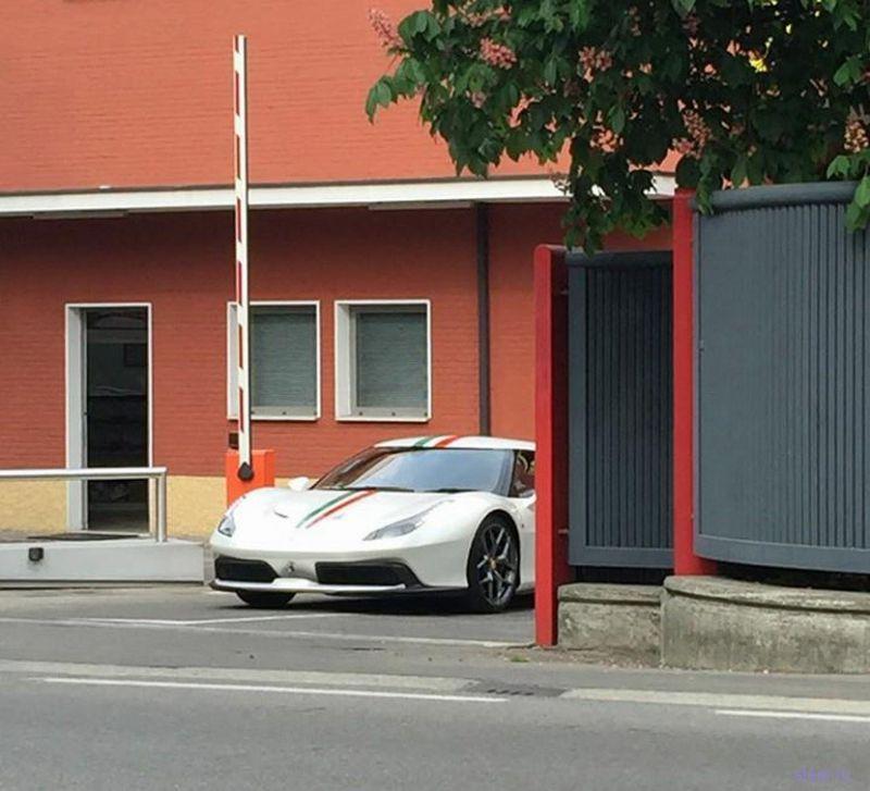 Неизвестную Ferrari заметили на дорогах