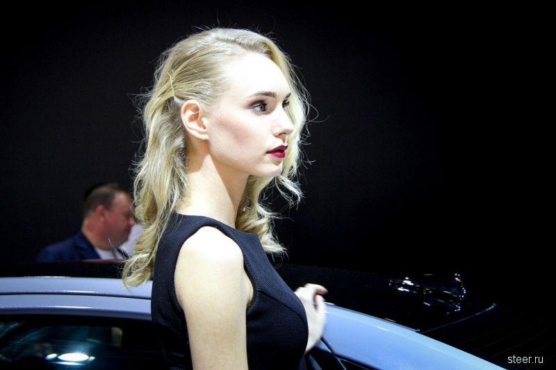 Девушки Московского автосалона 2016
