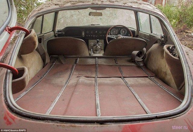 Jaguar E-Type — парковка длиною в 40 лет!