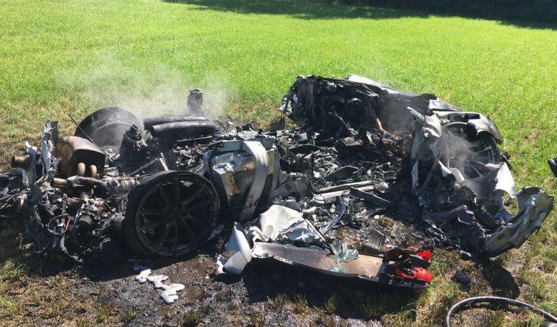 Ferrari 430 Scuderia сгорел дотла через час после покупки