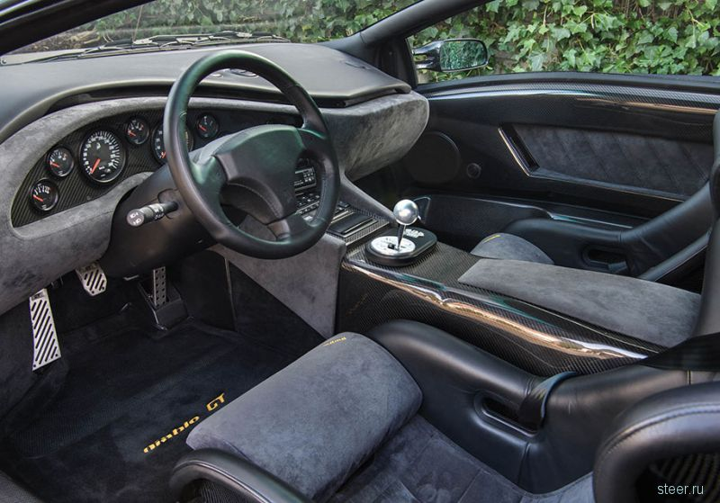 Lamborghini Diablo почти без пробега пустят с молотка