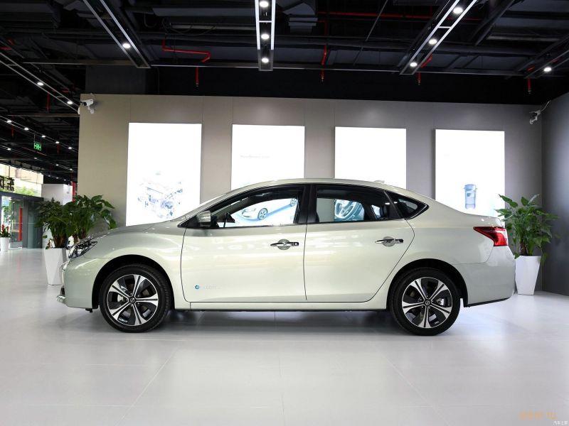 В Китае начались продажи электрокара Nissan Sylphy Zero Emission