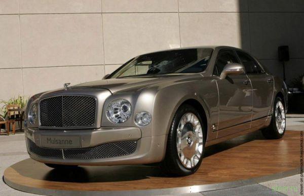 Топ-10 лучших роскошных автомобилей (фото)