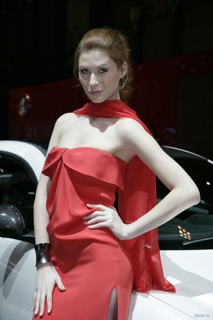 девушки Женевского автосалона