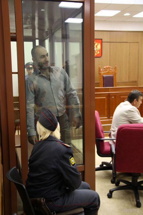 Начался процесс по делу владельца Infiniti, стрелявшего в водителя снегоуборочной машины (фото)