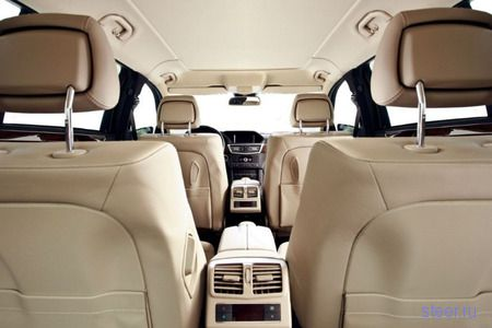 Mercedes E-класса: на метр длиннее, на две двери больше (обзор и фото)