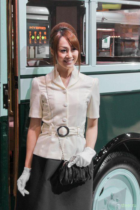 Девушки токийского автосалона 2011 (фото)