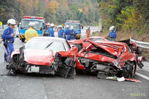 На все деньги : Восемь Ferrari, три Mercedes и Lamborghini разложились на скоростной трассе в Японии (фото и видео)