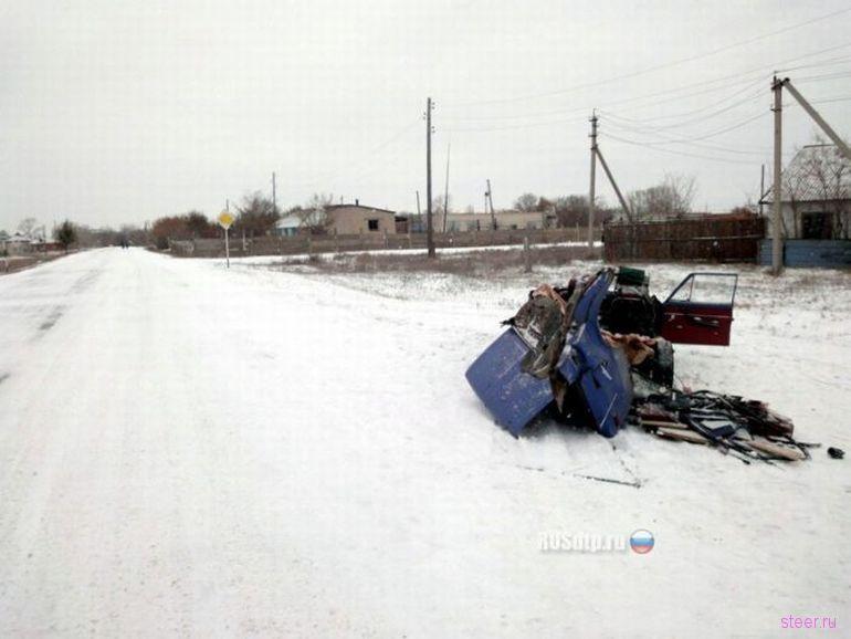 ВАЗ взял на таран трактор (фото)