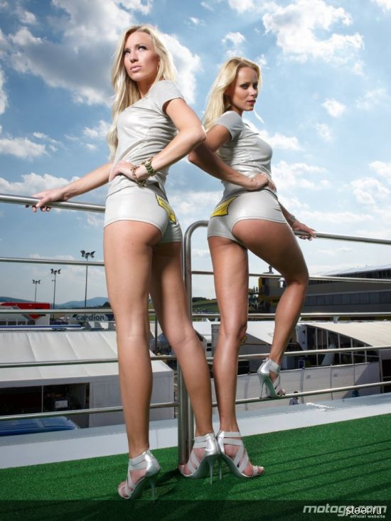 Девушки с МотоGP 2010 (фото)