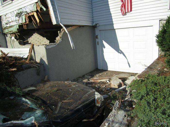 Белый фургон-разрушитель (фото)