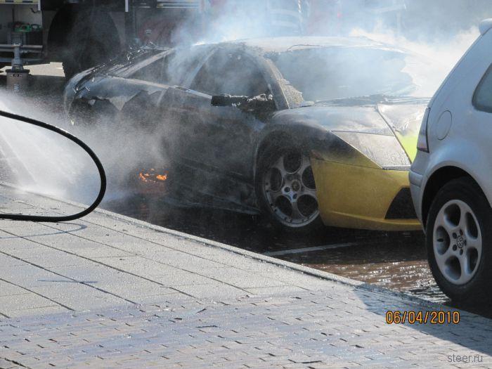 Как сгорает Lamborghini (фото)