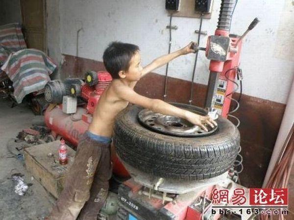 Беспощадный китайский шиномонтаж (фото)