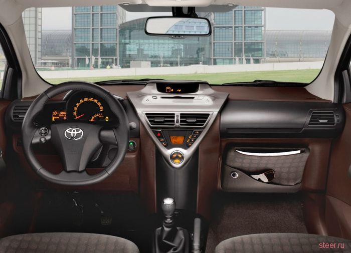 Микро-премиум-кар Toyota iQ уже продается в России за 777 777 р.