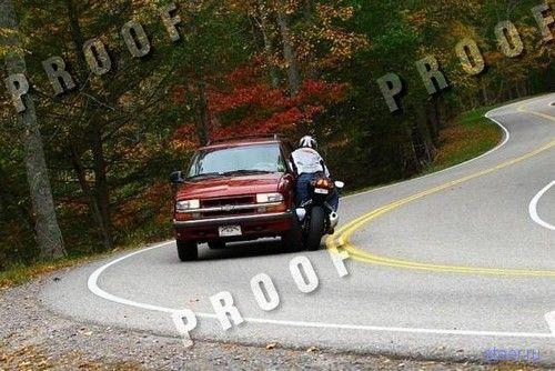 столкновение мотоциклиста с автомобилем