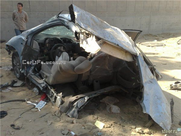 Арабский стрит-рейсинг с фатальными последствиями. (фото)