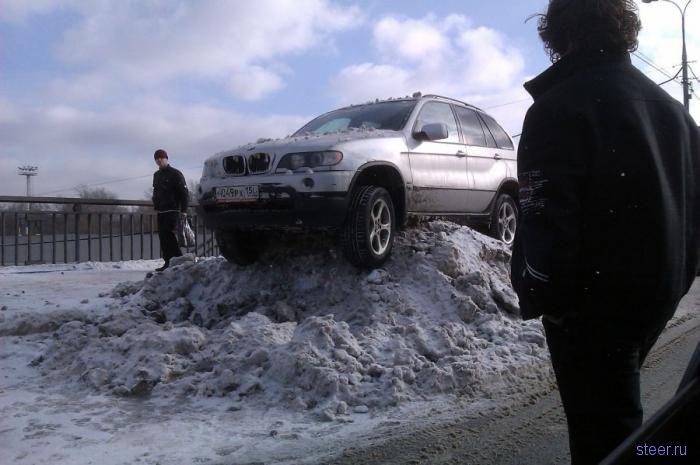 Памятник снегоборьбе (фото)