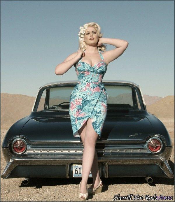 Автомобиль и женщина