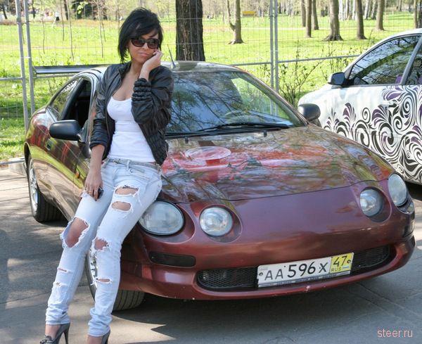 Весна, девушки, авто : вернисаж Нева 2011 (фото)