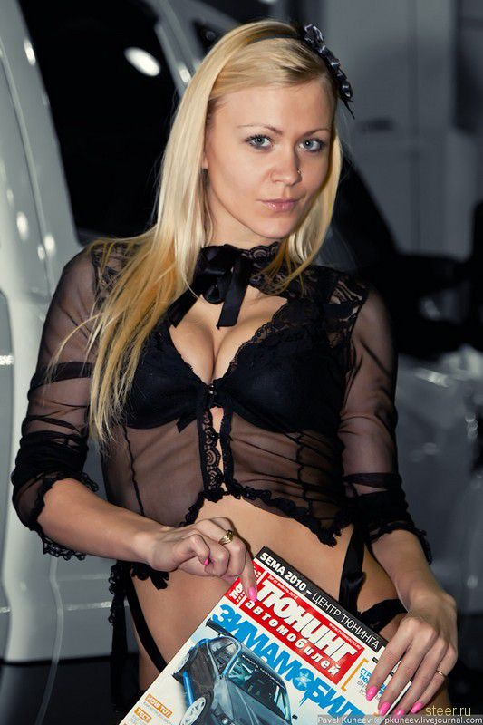 Девушки с выставки Московское Тюнинг Шоу 2011. Авторcкие фото Павла Кунеева