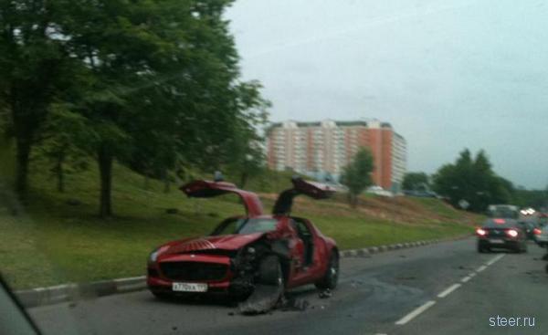 Первый AMG SLS разбили в Москве (фото)