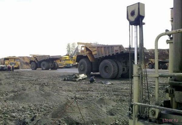 Белаз vs. Нива : ДТП на угольной шахте в Кемерово (фото)