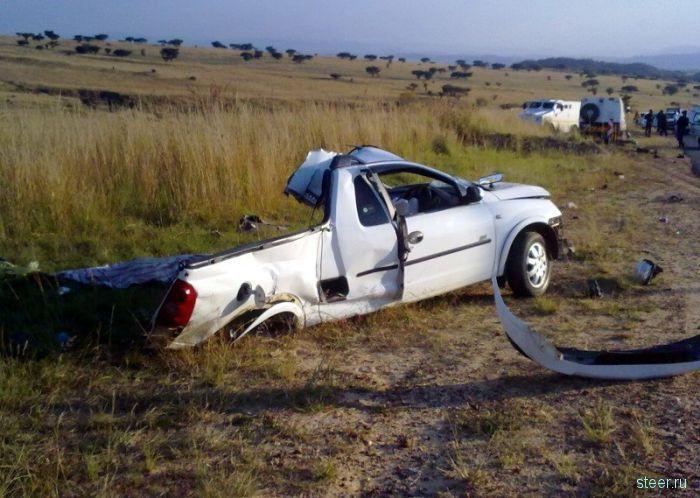 Столкновение Opel и инкассаторского автомобиля (фото)