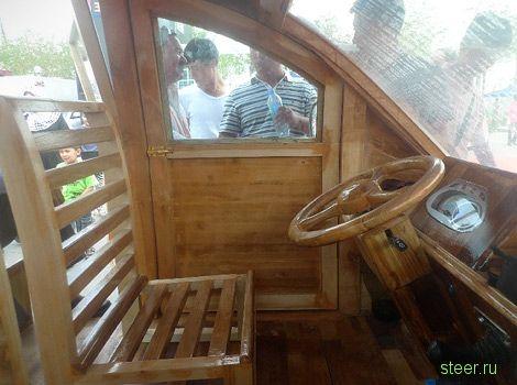 Китайская семья построила деревянный электрофургон (фото)
