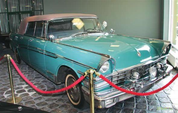 Любовь к музейным лимузинам