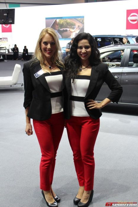 Девушки автосалона в Лос-Анджелесе 2012