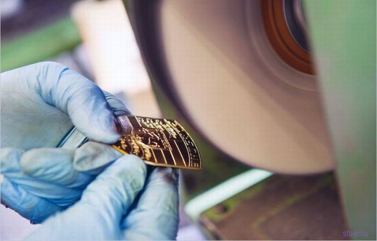 Как производят шильдики Porsche