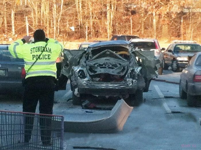 Honda Civic взорвалась из-за попытки открыть багажник