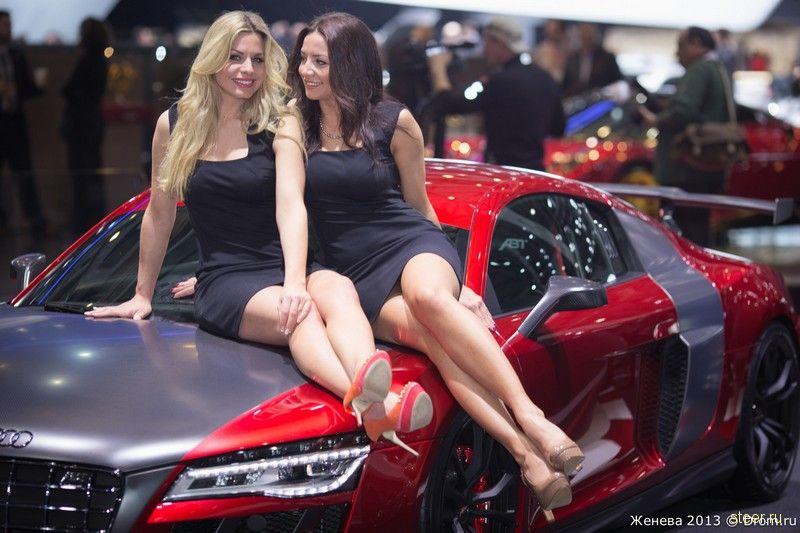 Девушки автосалона в Женеве 2013