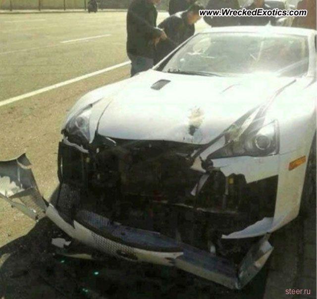 Китайский миллионер разбил эксклюзивный суперкар Lexus LFA