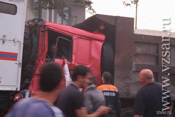 Саратов : в автокатастрофе с участием фуры пострадали 22 человека