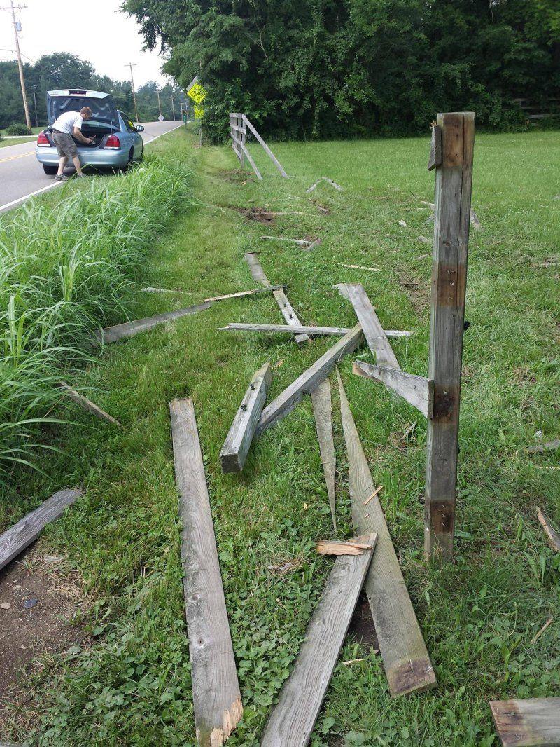 Когда влетаешь в деревянный забор, ремень безопасности ни к чему