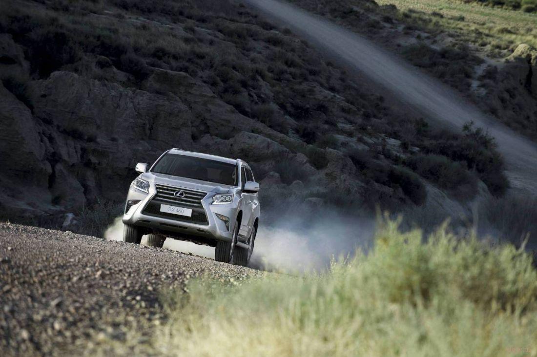 Lexus представил обновленный внедорожник GX460 в США