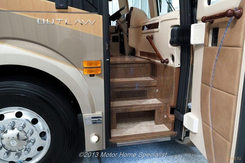 Не дом на колесах, а квартира-автобус