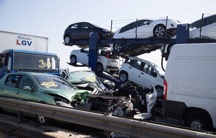 В Великобритании столкнулись более 100 автомобилей