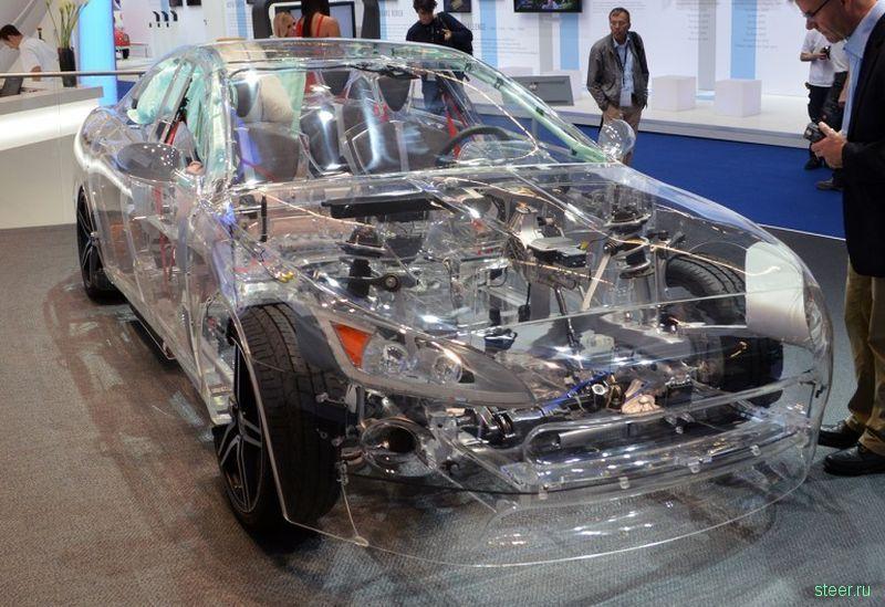 Прозрачный автомобиль из акрила на выставке во Франкфурте