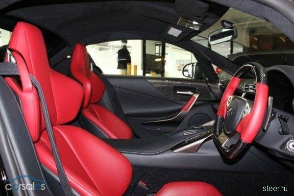 Поддержанный Lexus LFA обойдется в 1 млн долларов