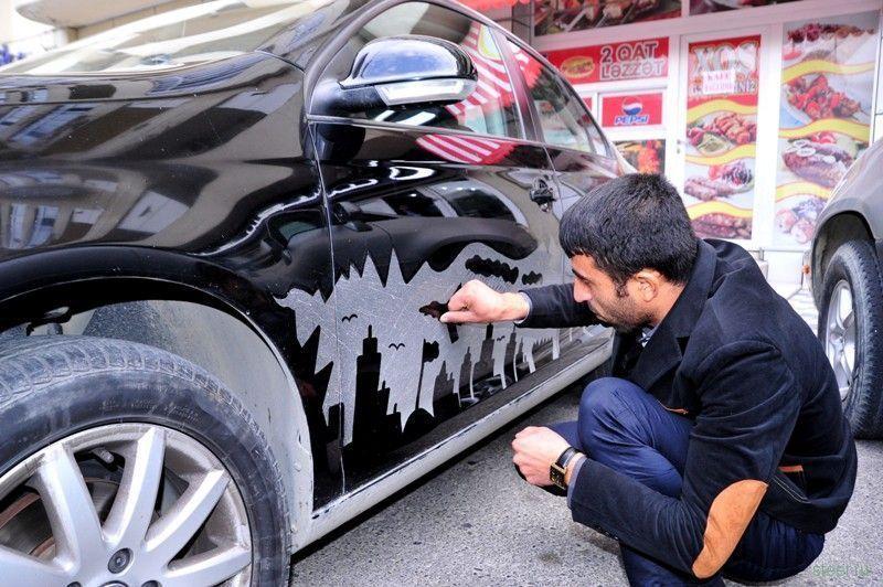 Картины на грязных автомобилях