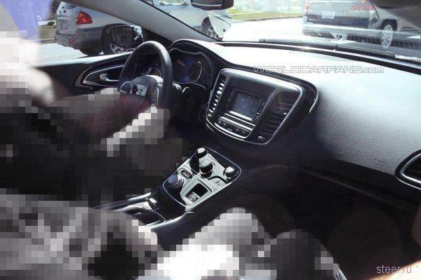 Новый Chrysler 200: первые шпионские фото